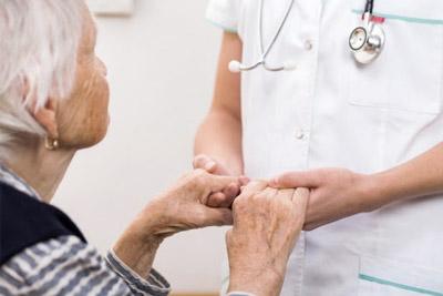 Bienveillance assisteal pour les personnes agées, soins, santé